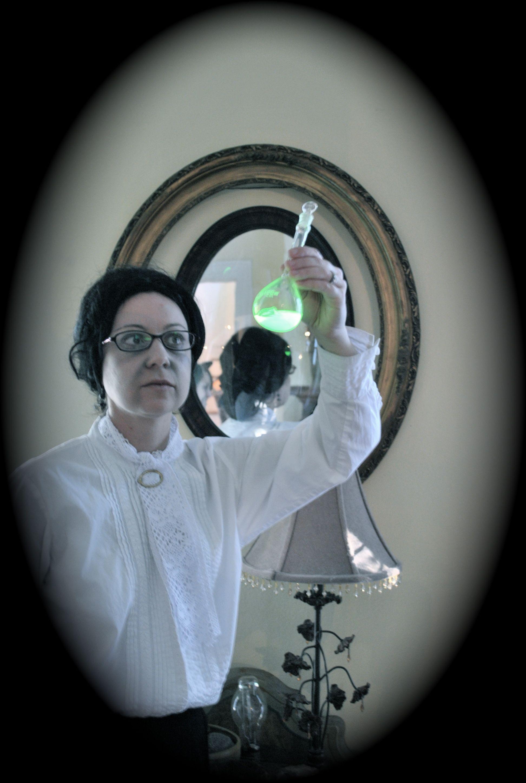 Creepy costumes:  radioactive Madame Curie
